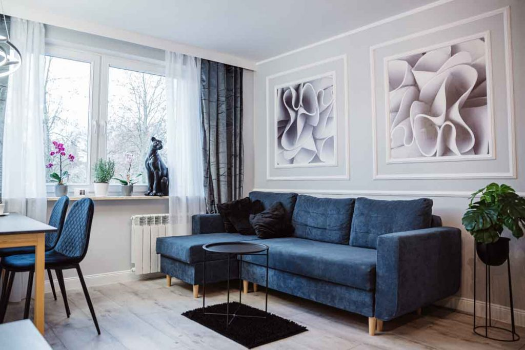 How To Decorate Around A Navy Blue Sofa 3 What color curtains go well with a navy blue sofa