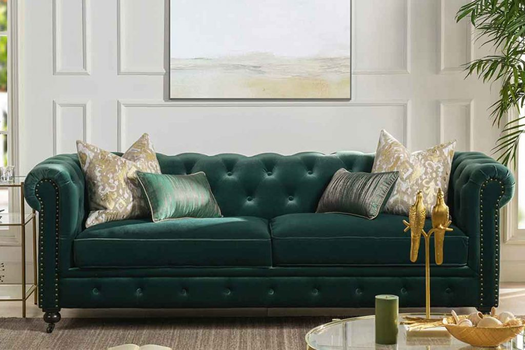 How To Decorate Around A Dark Green Sofa 5 What color throw pillows go well with a dark green sofa