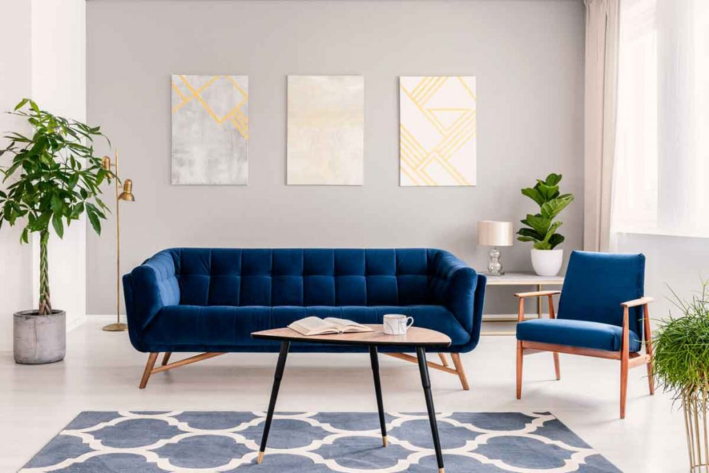 accent chairs go well with a navy blue sofa